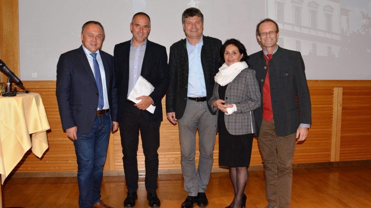 Gruppenfoto LEADER-Tagung Schloss Krastowitz