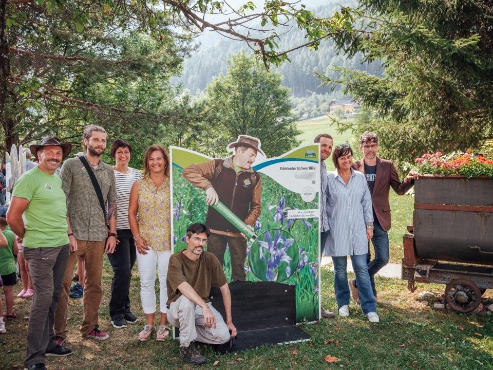 v.r.n.l.: GF Robert Heuberger, Vbgm.in Petra Oberrauner, Bgm. Christian Hecher, Melanie Köfeler (LAG), MA ARGE Naturschutz, Naturparkranger; Foto: Naturpark Dobratsch